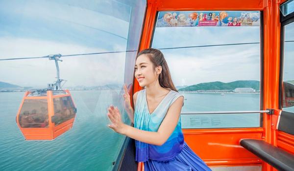 Ngắm toàn cảnh phố biển Nha Trang khi ngồi cáp treo